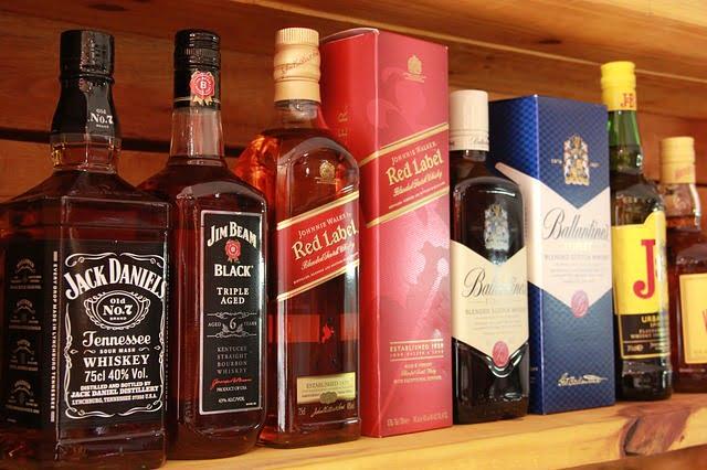 whiskies-3659778_640